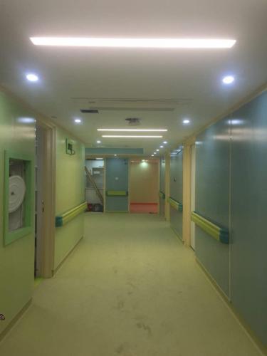 كاشي بيمارستاني آبي و سبز روشن ١٢٠٦٠ بيمارستان رسالت
